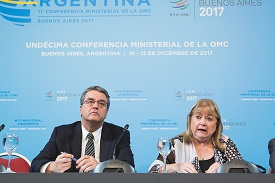 WTO Director-General Roberto Azevêdo (left) and <p>MC11 Chairperson Susana Malcorra (Argentina) <p>Photo: WTO