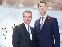UPS Asia chief Ross McCullough (left) <p>with Harld Peters, head of UPS China
