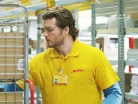DHL Express uses 'smart glasses'